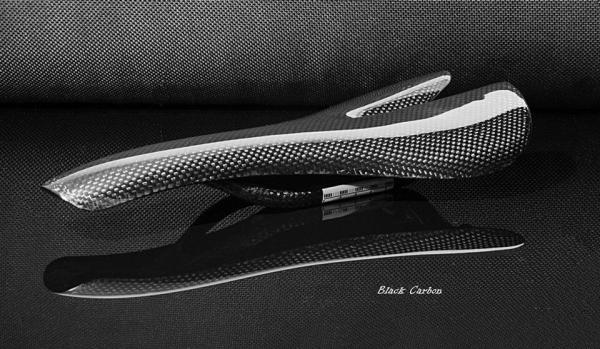 titan carbon fahrradteile black carbon sattel fahrradsattel. Black Bedroom Furniture Sets. Home Design Ideas